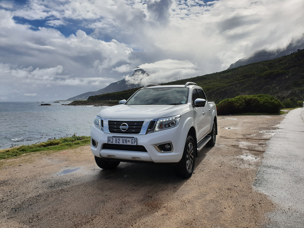 reviewed 2018 nissan navara 2 3d le 4x2 at dc cape town guy. Black Bedroom Furniture Sets. Home Design Ideas